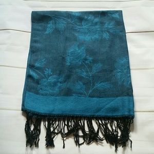 Gorgeous Dark Blue Scarf